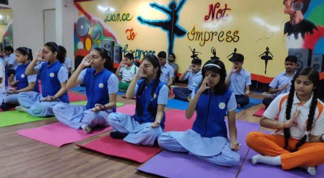 नेपालगञ्जमा बालबालिकाको ध्यान–योग शिविर हुँदै