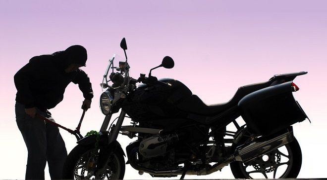 नेपालगञ्जमा दिनदहाडै मोटरसाइकल चोरी