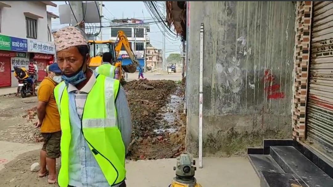 कारकाँदो चोकका स्थानीय भन्छन : मेयरसा'वले कार्याकर्ताको घर बचाउन खोजे