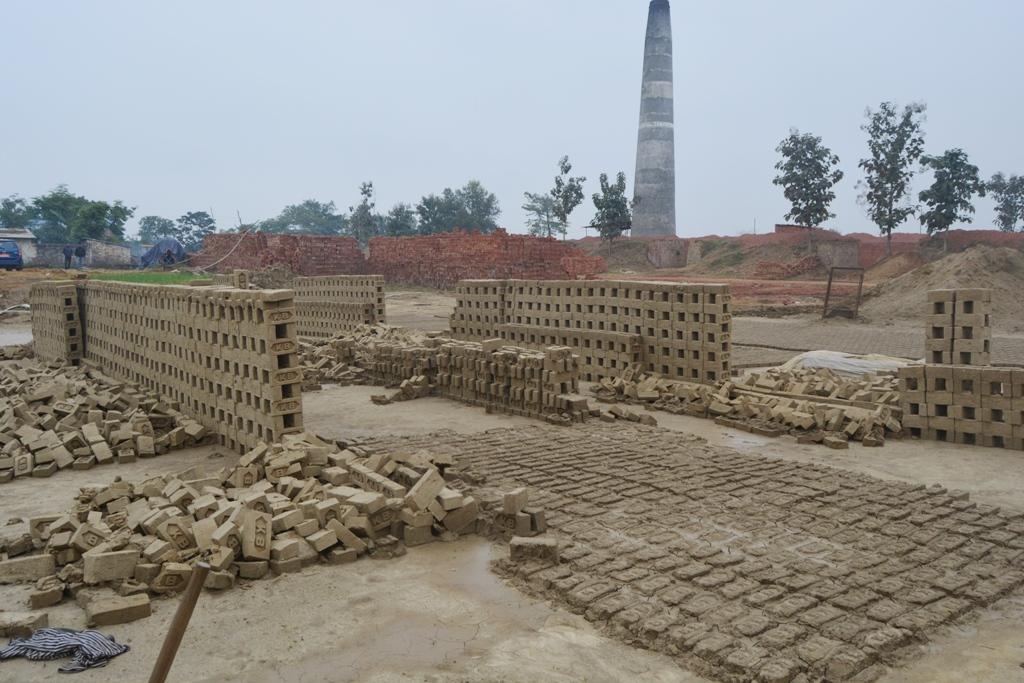 बाँकेमा कोइला अभाव, मारमा इँट्टा उद्योगी