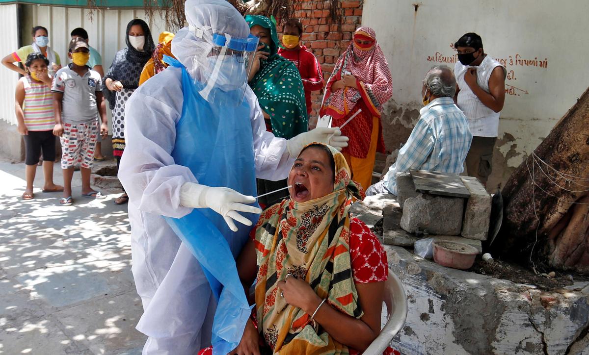 भारतमा घट्दै संक्रमण र मृत्यु दर